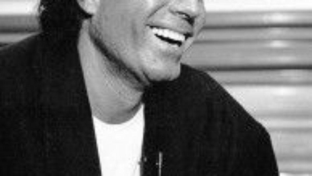 Las 41 Mejores Frases De Julio Iglesias Lifeder