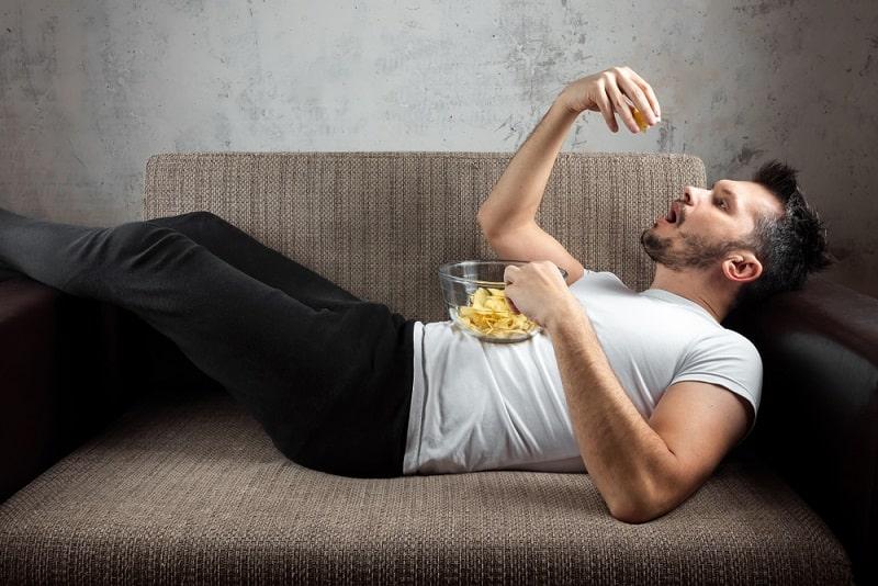 Mann Auf Couch